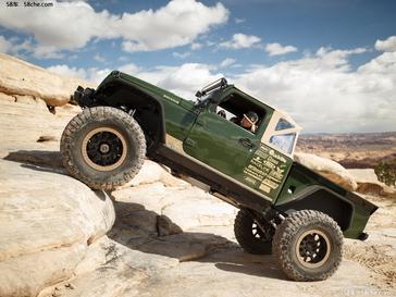 混血力量 6.2升V8发动机的Jeep