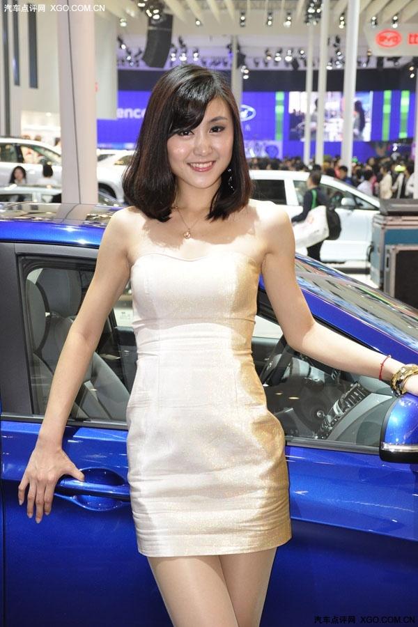 现代气质美女车模